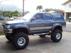 Car #16 - 1995 Toyota 4runner 5 speed with lift kit and big tires.