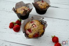 Muffins fraises-bananes Bread Recipes, Cooking Recipes, Healthy Recipes, Healthy Food, Desserts With Biscuits, Muffin Bread, Homemade Breakfast, Sweet Bread, I Foods