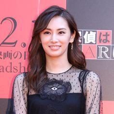北川景子出演映画「探偵はBARにいる3」のジャパンプレミアが10/24(火)都内で行われ、監督・キャストと共に北川が登壇した。 同作は…