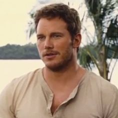 http://www.eonline.com/news/679441/jurassic-world-sequel-find-out-2-stars-who-are-returning-and-the-movie-s-release-date