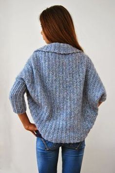 Basic Shrug Pattern - How Lovely! Basic Shrug Pattern – How Lovely! Shrug Knitting Pattern, Knit Shrug, Sweater Knitting Patterns, Easy Knitting, Double Knitting, Knit Patterns, Kimono Pattern Free, Knit Poncho, Sewing Patterns