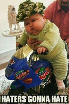 Super funny baby quotes laughing so hard pictures Ideas Funny Baby Quotes, Baby Memes, Funny Pictures For Kids, Funny Pictures With Captions, Funny Photos, Baby Humor, Art Pictures, Funny Baby Faces, Cute Funny Babies