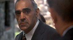 http://www.clarin.com/extrashow/cine/El_Padrino-Abe_Vigoda-Salvatore_Tessio-murio-mafioso_0_1511848944.html