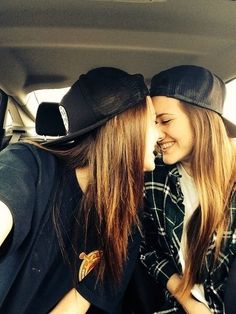 Lesbo girl on girl
