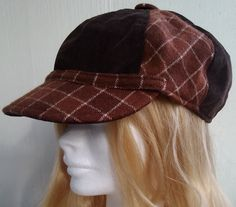 Brown cap made of velveteen and checkered wool fabric. Suitable for both women and men. Lining: black cotton. Get Fresh, Wool Fabric, Black Cotton, Cap, Women, Fashion, Baseball Hat, Moda, Women's