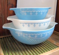 Mixing Bowls Set of 3 Pyrex Snowflake Blue by TopDrawerFinds, $40.00
