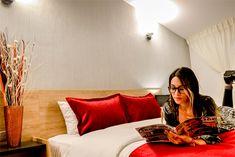 hotel lindsay una experiencia de cercanía, lujo y confort. Boutique, Environment, Decorating Rooms, Boutiques