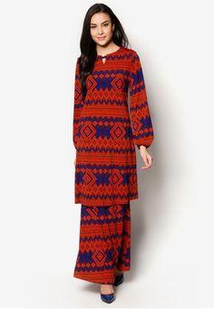 Buy Baju Kurung For Women Online Uni Outfits, Dinner Outfits, Modest Outfits, Batik Fashion, Fashion Fabric, Hijab Fashion, Moslem Fashion, Kebaya Dress, Muslim Dress