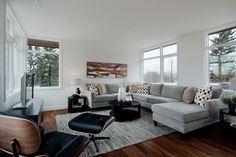 Family Room Eames Lounge Chair Design Ideas, Pictures, Remodel, and Decor - page 5