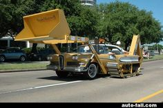 30 Tricked-Out Tractors That Put Your John Deere to Shame Strange Cars, Weird Cars, Cool Cars, Crazy Cars, Construction Humor, Car Mods, Custom Cars, Cars And Motorcycles, Custom Motorcycles