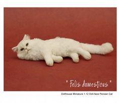 Dollhouse Miniature Persian Cat by Kerri Pajutee