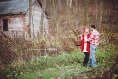 Amanda McLeod Photography | Bride Meets Wedding Vendor | Iowa, Illinois and Wisconsin Wedding Inspiration and Planning Tools | Little Red Riding Hood inspired engagement session