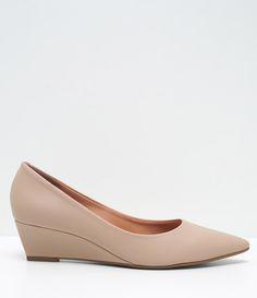 Sapato feminino Material: sintético Marca: Vizzano Anabela Veja mais…