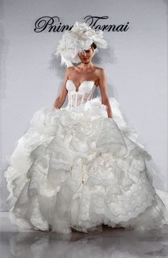 Pnina Tornai - Sweetheart Ball Gown in Lace