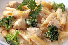 Rigatone Al Bertucci: Chicken and broccoli in a creamy sauce.
