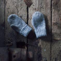 Trykk på bildet for å laste ned PDFen Easy Knitting, Knitting For Kids, Baby Knitting Patterns, Crochet For Kids, Knitting Projects, Crochet Bebe, Knit Crochet, Handmade Crafts, Diy And Crafts