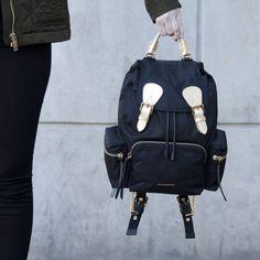 Burberry  www.daleplus.no Leather Backpack, Burberry, Backpacks, Bags, Fashion, Handbags, Moda, Leather Backpacks, Fashion Styles