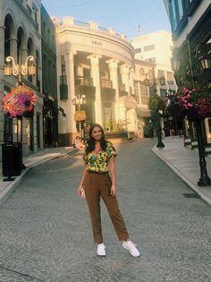 Cambridge Satchel, Capri Pants, Bags, Fashion, Death, Handbags, Moda, Capri Trousers, Fashion Styles