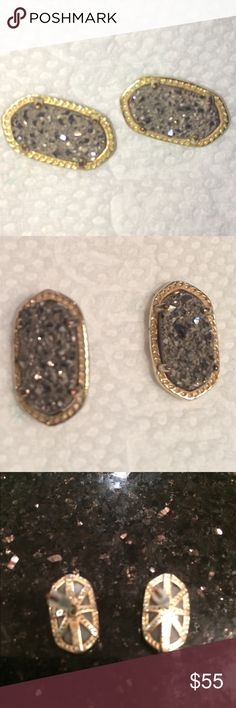 Kendra Scott grey druzy Elsie earrings in gold Perfect size and weight for casual or dress. Stones are clear luminescent. Gorgeous and mint condition. Kendra Scott Jewelry Earrings