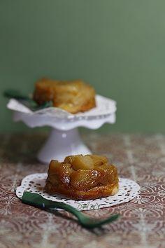 Préparation : 20 min Cuisson : 20 min Pour 6 tartelettes : -150 g de pâte sablée -3 pommes -20 g de sucre -20 g de beurre -6 cuillères à soupe de caramel salé Épluchez les pommes, coupez les en cubes. Faites les dorer dans le beurre et le sucre. Versez...