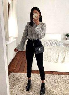 beautiful autumn outfits - Find the most beautiful outfits for your autumn look. beautiful autumn outfits - Find the most beautiful outfits for your autumn look. Uni Outfits, Trendy Fall Outfits, Casual Winter Outfits, Winter Fashion Outfits, Mode Outfits, Look Fashion, Fashion Clothes, Fall Clothes, Fashion 2020