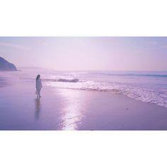 【paledeathmask】さんのInstagramをピンしています。 《⚠いいから見なかった事にして * * 「恋の続きを、しよう。。。」 * * 同じ事を言いたいところが、最初からまだ何も始まらなかった自分には。。。 * * #けやき坂46 #けやきざか #欅坂46 #今泉佑唯 #ゆいちゃん #ゆいのうた #海 #砂浜 #空 #紫 #個人pv》