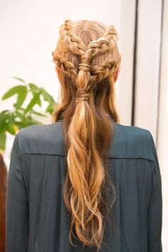 Like this hairstyle? Clip in #hair helps you change your hairstyle instantly.