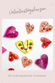 Upcyling: DIY Schrumpfplastik Herzarmbänder zum Valentinstag Valentines Diy, Diy For Kids, Crafty, Easy, Jewelry Making, Creative Ideas, Personalized Gifts, Craft Tutorials, Valentine's Day Diy