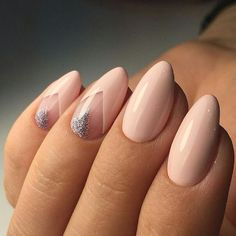 Unhas gel unhas amendoada, unhas delicadas, cabelo e unhas, unhas nude Nude Nails, Nail Manicure, Pink Nails, Glitter Nails, Acrylic Nails, Oval Nails, Silver Glitter, Glitter Art, Nail Polishes