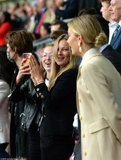 England Vs Italy, Britain's Got Talent Judges, Declan Donnelly, Football Spirit, Coleen Rooney, England Shirt, Kate Moss Style, England Players, Kelly Brook