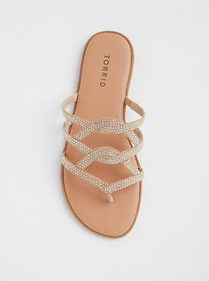 Discover recipes, home ideas, style inspiration and other ideas to try. Shoes Flats Sandals, Cute Sandals, Cute Shoes, Flip Flop Sandals, Leather Sandals, Me Too Shoes, Sandal Heels, Wedge Sandals, Sandals Outfit Summer