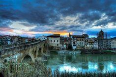 Puenta la Reina Bridge and Sunrise