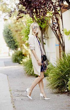 Damselindior is wearing: Manolo Blahnik heels, Chanel bag, Reformation dress, By Malene Birger Blazer. Fall Outfits, Fashion Outfits, Fashion Ideas, Fashion Tips, Beauty And Fashion, Manolo Blahnik Heels, Elegant Outfit, Street Chic, Street Style Women