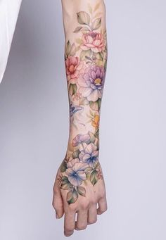 Image shared by Mone🐾💄🧜♀️. Find images and videos about art, flowers and amazing on We Heart It - the app to get lost in what you love. Flower Wrist Tattoos, Flower Tattoo Back, Flower Tattoo Shoulder, Flower Tattoo Designs, Forearm Tattoos, Finger Tattoos, Body Art Tattoos, Small Tattoos, Sleeve Tattoos