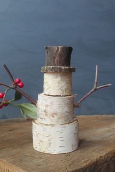 Looking for some natural Christmas decorating ideas? Well, we're here to give you some good collection of natural and earth-friendly Christmas decorations that might give [. Christmas Snowman, Rustic Christmas, Winter Christmas, Winter Holidays, Christmas Time, Birch Christmas Tree, Log Snowman, Primitive Christmas Crafts, Snowmen