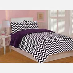 Looking for a nice, yet inexpensive black & white chevron king bedding set or comforter to match my teal walls. Also looking for black curtains. Plum Bedding, Purple Bedding Sets, Chevron Bedding, King Bedding Sets, Black Bedding, Comforter Sets, Floral Bedding, Teen Bedding, Teal Walls