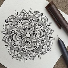 40 Beautiful Mandala Drawing Ideas & Inspiration - Brighter Craft 40 illustrated mandala drawing ideas and inspiration. Learn how you can draw mandalas step by step. This tutorial is perfect for all art enthusiasts. Mandala Doodle, Mandala Art Lesson, Mandala Artwork, Mandala Painting, Doodle Art, Henna Mandala, Lotus Mandala, Doodle Sketch, Zentangle Patterns