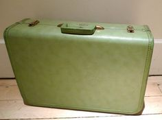 Need antique suitcase for project