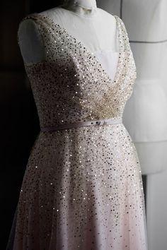Elisabeth Moss, Vogue Paris, Princess Dress Patterns, Oscar Gowns, Dior Dress, Sequin Gown, Couture Week, Silk Crepe, Fashion Details