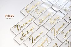 Name cards in clear acrylic and gold. An indicator for where to sit and also a clever little keepsake for the guest 🥂 . Name Cards, Peony, Clear Acrylic, Clever, Hair Accessories, Place Card Holders, Creative, Gold, Business Cards