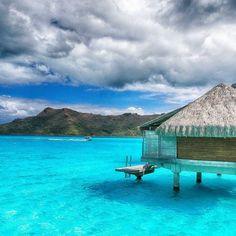 This is called paradise 😍👌❤️ #borabora #island #paradise #southpacific #sun #beach #sunrise #amazing #dream #holidays #beautiful #bestvacations #photooftheday #picoftheday #photodujour #wedding #tahiti #polynesian #EdouardOTT #instagood  Supprimer le commentaire