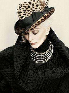 """A 'Vogue' cover girl at Carmen Dell'Orefice is still on the catwalks 65 years on."" Meet Carmen Dell'Orefice, the supermodelgi Carmen Dell'orefice, Glamour Fashion, Look Fashion, Womens Fashion, High Fashion, Winter Fashion, Photography Tattoo, Fashion Photography, Vogue"