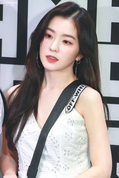 Photo album containing 65 pictures of Irene Irene Red Velvet, Red Velvet アイリーン, Kpop Girl Groups, Kpop Girls, The Body Shop, Jennie Blackpink, Beautiful Asian Girls, Idole, Girl Crushes