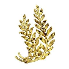 Pre-Owned Tiffany & Co. Vintage 18k Yellow Gold Leaf Pin ($1,305) ❤ liked on Polyvore featuring jewelry, brooches, multi, gold jewellery, vintage brooches, gold leaf brooch, yellow gold jewelry and vintage pins brooches