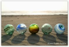 Glass Float Junkie: My Favorite Floats, swirled floats on the beach