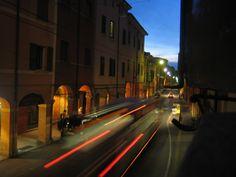 https://flic.kr/p/3nLAu1   Bologna corre   Via San Vitale Bologna Fine Agosto.