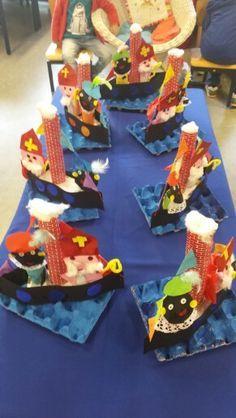 sinterklaaswerkjes voor peuters - Google zoeken Diy For Kids, Crafts For Kids, Diy Crafts, Saint Nicolas, Happy Birthday Jesus, Art Plastique, Backdrops, December, Xmas