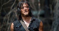L'interprete di Daryl Dixon in The Walking Dead ha avuto spesso situazioni spiacevoli con i fan. L'ultima disavventura poteva costargli un ginocchio. Leggi qui.