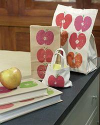 Un simple estampado de manzanas en las superficies que deseemos