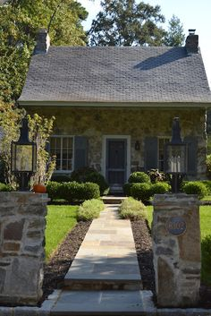 CURB APPEAL – living a beautiful life inside a stone cottage. Stone Cottages, Small Cottages, Cabins And Cottages, Stone Houses, Small Houses, Cute Cottage, Cottage Style, Cottage Living, Cottage Homes
